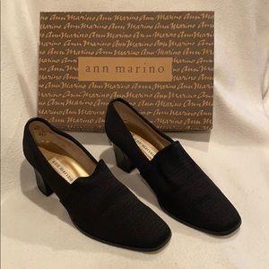 Ann Marino vintage black stretch loafers heels